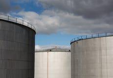 δεξαμενές αποθήκευσης εργοστασίων πετροχημικών πετρελαίου βιομηχανίας Στοκ Εικόνες