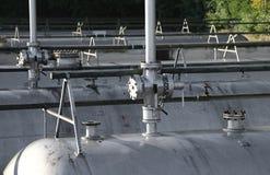 δεξαμενή αερίου σε μια κατασκευή εργοστασίων εγκαταστάσεων καθαρισμού και μια αποθήκευση του natur Στοκ φωτογραφίες με δικαίωμα ελεύθερης χρήσης