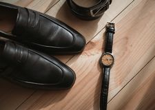 Εξαρτήματα επιχειρηματιών Ύφος ατόμων ` s Εξαρτήματα ατόμων ` s: Πεταλούδα ατόμων ` s, παπούτσια ατόμων ` s, ρολόγια ατόμων ` s στοκ φωτογραφία με δικαίωμα ελεύθερης χρήσης