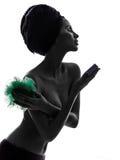 Όμορφο ασιατικό νέο πορτρέτο εξαρτημάτων πλύσης εκμετάλλευσης γυναικών Στοκ Φωτογραφία