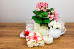 Εξαρτήματα λουτρών αντικείμενα υγιεινής πρ&omicr στοκ εικόνα