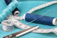 εξαρτήματα που ντύνουν τη ράβοντας ουσία Στοκ Εικόνες
