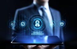 Εξασφάλιση ποιότητας, εγγύηση, πρότυπα, πιστοποίηση του ISO και έννοια τυποποίησης απεικόνιση αποθεμάτων
