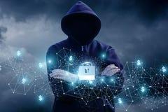 Εξασφαλίστε το οικονομικό δίκτυο από την επίθεση ενός χάκερ Στοκ Εικόνες
