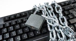 Εξασφαλισμένο πληκτρολόγιο υπολογιστών, cyberattacks μεταφορά προστασίας Στοκ εικόνα με δικαίωμα ελεύθερης χρήσης