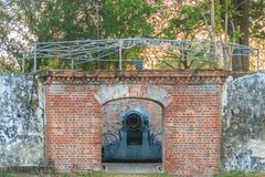 Εξαφανιμένος πυροβόλο όπλο μεταφορών Phi στο οχυρό Sua Samut, το δημόσιο plac Στοκ Εικόνα
