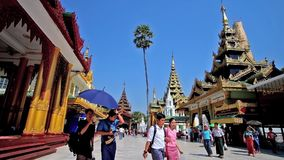 Εξερευνήστε την παλαιά παγόδα Shwedagon, Yangon, το Μιανμάρ φιλμ μικρού μήκους