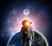 Εξερευνητής αστροναυτών στο διάστημα Μικτά μέσα διανυσματική απεικόνιση