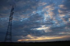 Εξετάζοντας τον ουρανό όπως αυτό κατά τη διάρκεια του ταξιδιού, θέλω ακριβώς να το καταγράψω στοκ φωτογραφία με δικαίωμα ελεύθερης χρήσης