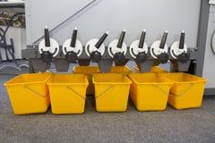 Εξοπλισμός γεωργικών μηχανημάτων - σιτάρια και σπόροι στον αναμίκτη - υψηλή τεχνολογία για γεωργικό Στοκ εικόνες με δικαίωμα ελεύθερης χρήσης