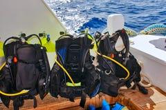 Εξοπλισμός για το σκάφανδρο που βουτά στη βάρκα του σκάφους Στοκ φωτογραφία με δικαίωμα ελεύθερης χρήσης