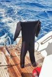 Εξοπλισμός για το σκάφανδρο που βουτά στη βάρκα του σκάφους Στοκ Εικόνες