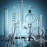 Εξοπλισμός εργαστηρίων χημείας γυαλιού τρισδιάστατη απόδοση απεικόνιση αποθεμάτων