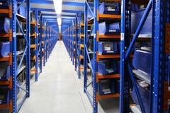 Εξοπλισμός για τα ράφια αποθηκών εμπορευμάτων, ράφια Στοκ Εικόνες
