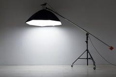 Εξοπλισμός για τα στούντιο φωτογραφιών και τη φωτογραφία μόδας Στοκ εικόνες με δικαίωμα ελεύθερης χρήσης