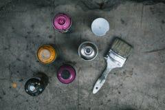 Εξοπλισμός γκράφιτι στο πεζοδρόμιο Στοκ φωτογραφία με δικαίωμα ελεύθερης χρήσης