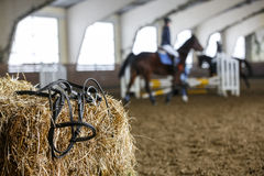 Εξοπλισμός και εκπαίδευση αλόγου σε περιστροφές αλόγων Στοκ Φωτογραφίες