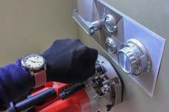 Εξοπλισμός και εργαλεία χεριών που κλέβουν ένα κιβώτιο κατάθεσης Στοκ Εικόνες