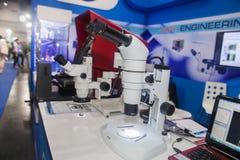 Εξοπλισμός μικροσκοπίων Στοκ φωτογραφία με δικαίωμα ελεύθερης χρήσης