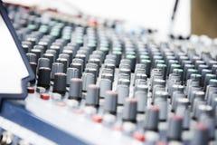 Εξοπλισμός μουσικής κονσολών Στοκ φωτογραφίες με δικαίωμα ελεύθερης χρήσης