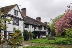 Εξοχικά σπίτια Tudor στοκ φωτογραφίες