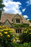 εξοχικό σπίτι αγγλικά στοκ εικόνες