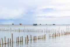 Εξοχικό σπίτι αλιείας τοπίων στη θάλασσα Στοκ Εικόνες