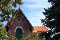 εξοχικό σπίτι γραφικό Στοκ εικόνα με δικαίωμα ελεύθερης χρήσης