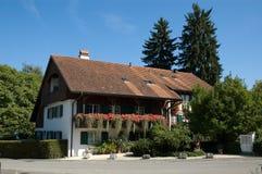 εξοχικό σπίτι Ελβετία Στοκ Φωτογραφίες