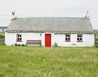 εξοχικό σπίτι Ιρλανδία στοκ εικόνα