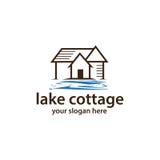 Εξοχικό σπίτι με το λογότυπο νερού Στοκ εικόνες με δικαίωμα ελεύθερης χρήσης