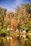 Εξοχικό σπίτι στη λίμνη Στοκ εικόνα με δικαίωμα ελεύθερης χρήσης