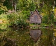Εξοχικό σπίτι στη λίμνη Στοκ Εικόνα