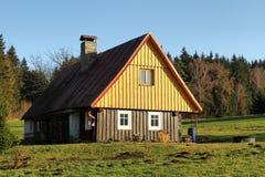εξοχικό σπίτι φθινοπώρου Στοκ φωτογραφία με δικαίωμα ελεύθερης χρήσης