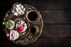 Εξυπηρετούμενα κέικ φλυτζανιών Χριστουγέννων Στοκ Εικόνα