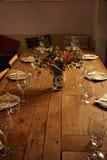 Εξυπηρετώντας επιτραπέζιο σύνολο γευμάτων Στοκ εικόνα με δικαίωμα ελεύθερης χρήσης