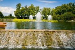 εξωραϊσμός κήπων μονοπάτι κήπων Όμορφη πλάτη Στοκ Εικόνα