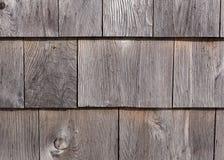 Εξωτερικά βότσαλα τοίχων κέδρων Graying Στοκ φωτογραφία με δικαίωμα ελεύθερης χρήσης