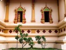 Εξωτερικά παράθυρα σε Wat Thatluang Neua, Vientiane Στοκ Εικόνα
