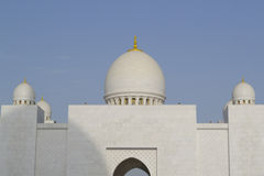Θόλοι του μεγάλου μουσουλμανικού τεμένους Αμπού Νταμπί Στοκ Εικόνες
