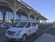 Εξωτερική άποψη αρχιτεκτονικής του πρόσφατα ολοκληρωμένου διεθνούς αερολιμένα Abdulaziz δοχείων του Μωάμεθ πριγκήπων στο Al Madin Στοκ Εικόνες