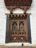 Εξωτερική αρχιτεκτονική παραθύρων στο Μπουτάν Στοκ Εικόνα