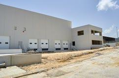 Εξωτερική βιομηχανική αποθήκη εμπορευμάτων στοκ εικόνες