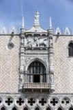 Εξωτερική πρόσοψη του Doges παλατιού, Βενετία Στοκ Εικόνες