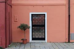 Εξωτερική πόρτα κήπων στοκ εικόνες