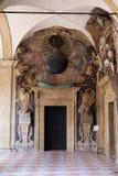 Εξωτερικό αίθριο Archiginnasio, Μπολόνια Στοκ φωτογραφία με δικαίωμα ελεύθερης χρήσης