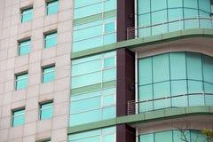 Εξωτερικό ακίνητων περιουσιών, πρόσοψη οικοδόμησης - σύγχρονη αρχιτεκτονική Στοκ Φωτογραφία