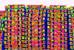 Εξωτερικό απόθεμα των παλαιών κατασκευασμένων ξύλινων τυποποιημένων ευρο- παλετών thermography στην ανίχνευση Στοκ φωτογραφία με δικαίωμα ελεύθερης χρήσης