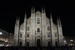 Εξωτερικό καθεδρικών ναών του Μιλάνου/νύχτα Di Μιλάνο Duomo στοκ εικόνες