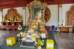 Εξωτερικό της αίθουσας ναών στο ναό Wat Khunaram Koh Samui, Ταϊλάνδη Στοκ Φωτογραφία